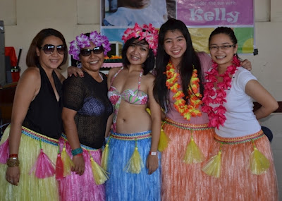 grass skirts from Divisoria