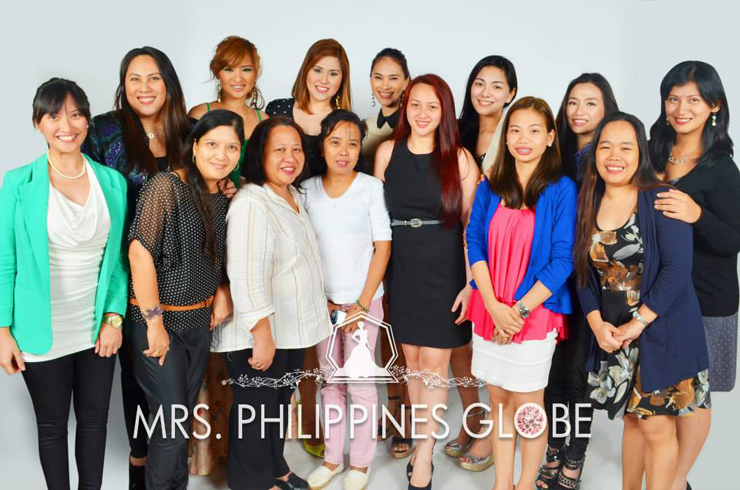 Mrs. Philippines Globe with representatives of Mommy Bloggers Philippines