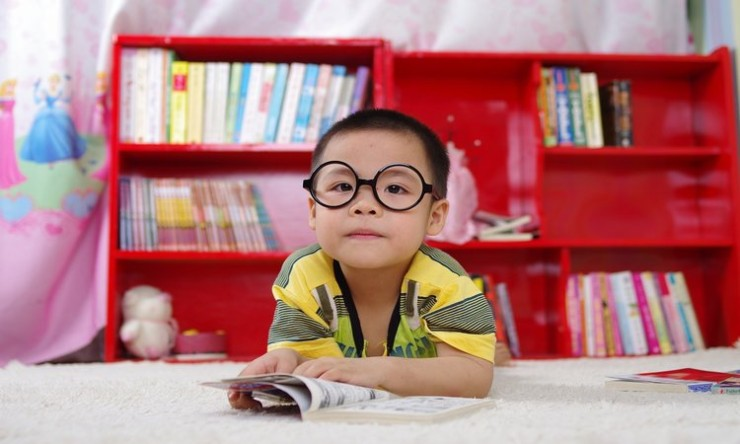 Starfall is a website with free resources on teaching preschoolers how to read.