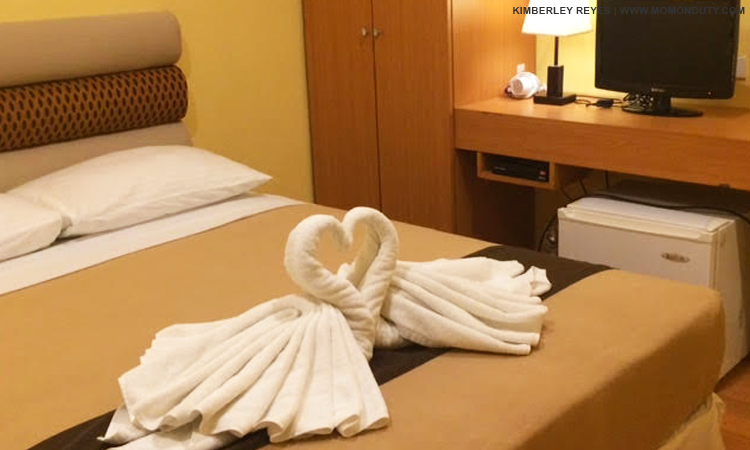 Mountain Lake Resort also offers accommodation for couples who are looking for some alone time. | www.momonduty.com