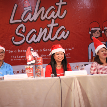 Join the movement! Spread the Christmas cheer to those who need it the most by participating in the #LahatSanta campaign. | www.momonduty.com