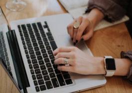 What is a virtual assistant? | www.MomOnDuty.com