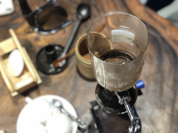 Making Coffee with Syphon
