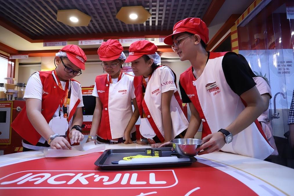 KidZania Manila Unveils New Snack Factory